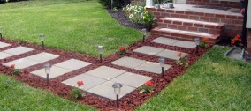 walkway-design-ideas-concrete-pavers_ffb939a930f80adad24eb74a510269e4_3x2_jpg_570x380_q85